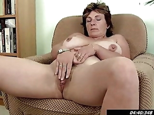 fingering hairy milf
